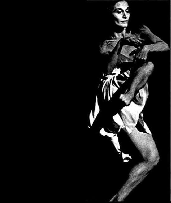 La ballerina Iris Scaccheri fotografata da Susana Thénon